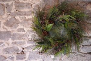 Farmhouse Christmas Charm @ Black-eyed Susan